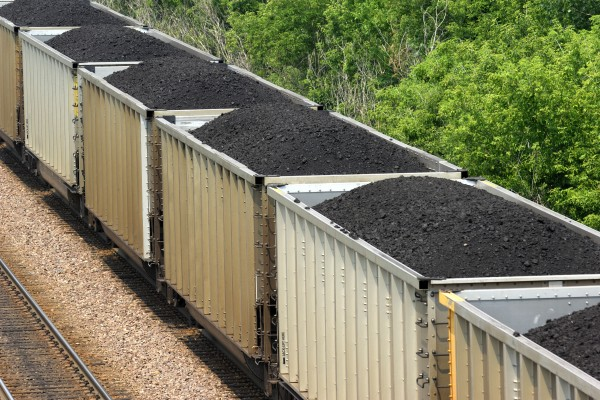 Thinkstock_coal-train_144272202